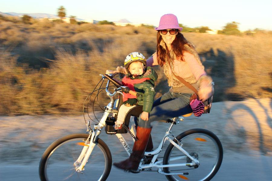2dd0400527e54a Najlepsze przednie foteliki rowerowe do 22 kg umożliwiają bezpieczne  podróżowanie dziecku oraz wygodną jazdę jego opiekunowi. Przy zakupie  siedziska w ...
